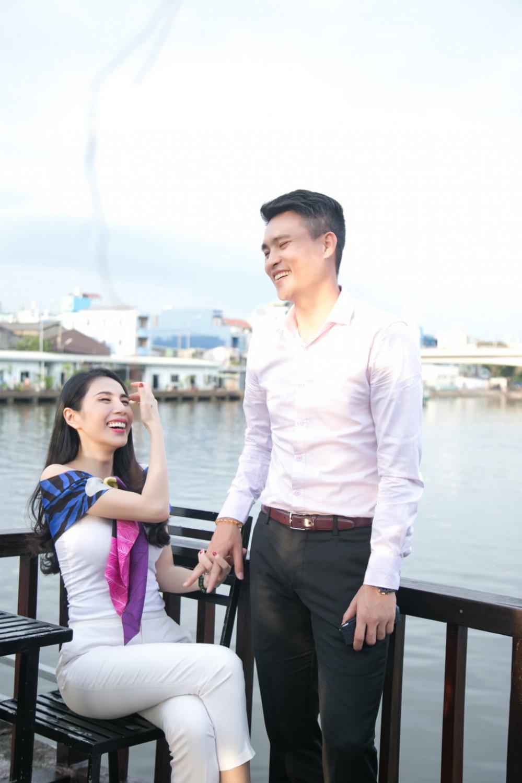 Cong Vinh ke chuyen tinh yeu voi Thuy Tien tren song truyen hinh My hinh anh 4