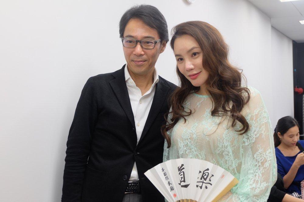 Ho Quynh Huong tra loi phong van to bao lon nhat Nhat Ban hinh anh 6