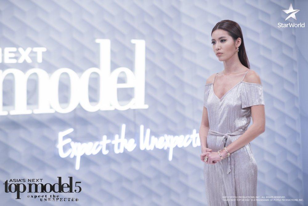 Manh me tai 'The Face', Minh Tu lai bat khoc o 'Asia's Next Top Model' hinh anh 1
