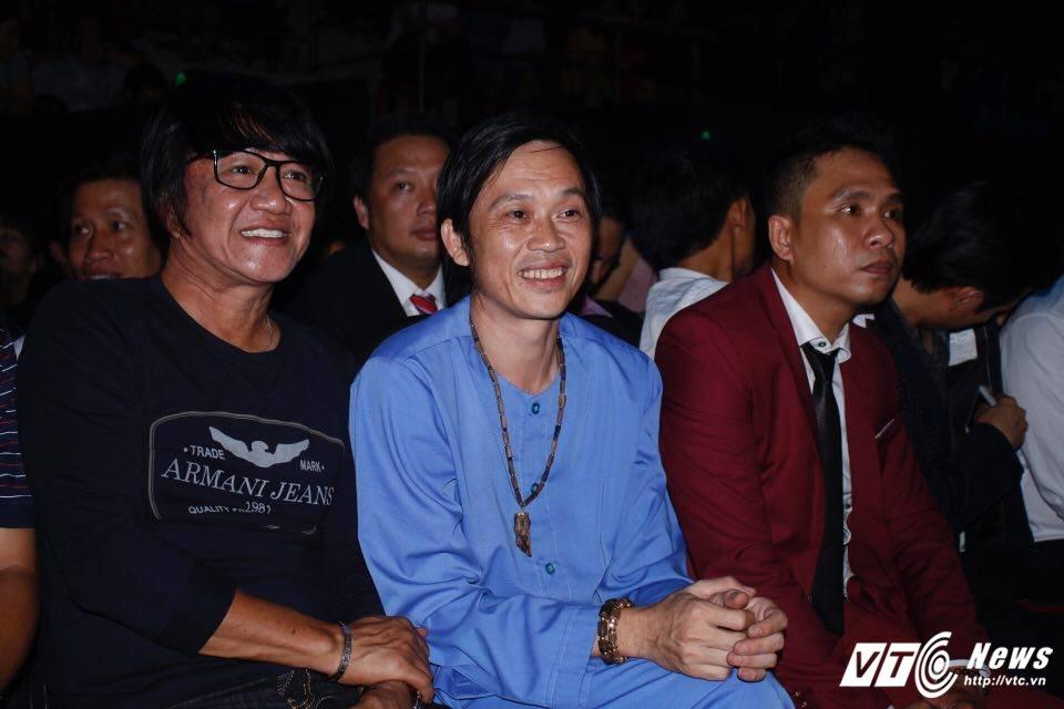 Hoai Linh dien ao ba ba, bat ngo xuat hien tai Chung ket 'Than tuong Bolero 2017' hinh anh 3