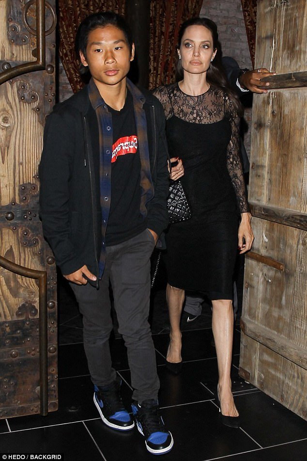 Pax Thien - con nuoi goc Viet cua Angelina Jolie chung chac ben cac ban gai hinh anh 6