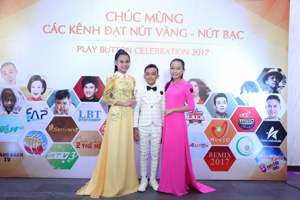 Ho Van Cuong chung chac nhan giai tu Youtube cho me nuoi Phi Nhung hinh anh 4