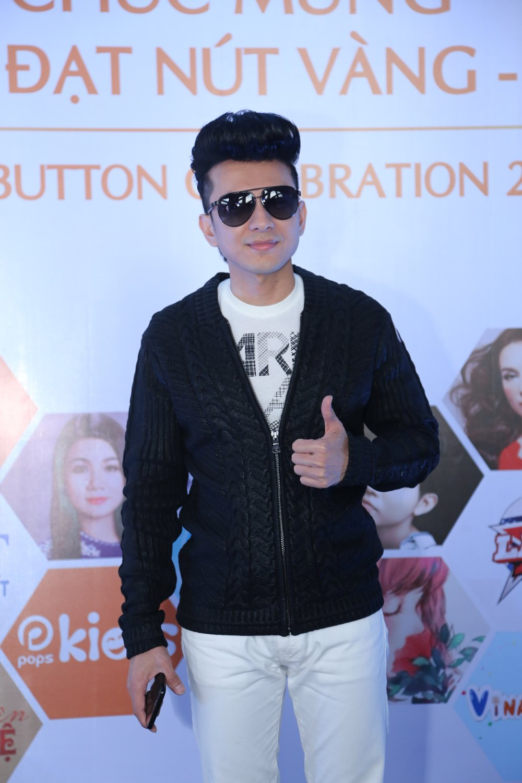 Ho Van Cuong chung chac nhan giai tu Youtube cho me nuoi Phi Nhung hinh anh 1