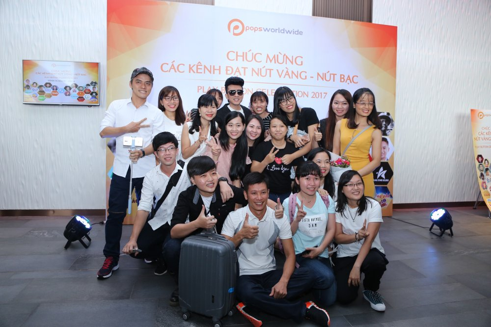 Ho Van Cuong chung chac nhan giai tu Youtube cho me nuoi Phi Nhung hinh anh 11