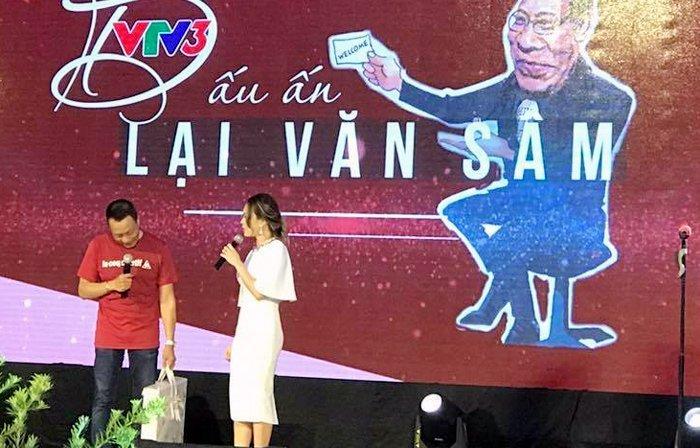 Video: My Tam om MC Lai Van Sam hat tai tiec chia tay VTV hinh anh 1