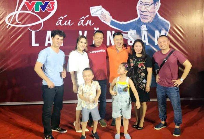 Video: My Tam om MC Lai Van Sam hat tai tiec chia tay VTV hinh anh 2