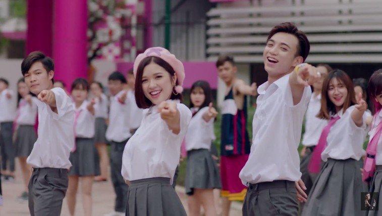 Soobin Hoang Son – Suni Ha Linh 'don tim' khan gia voi bieu cam sieu dang yeu hinh anh 7