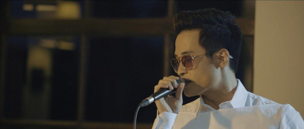 Video: Ha Anh Tuan gay sot voi 'Trai tim anh cung biet dau' hinh anh 2