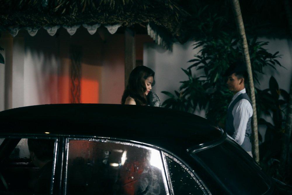 Ho Ngoc Ha hoa than thanh ca si phong tra xua trong MV moi hinh anh 5
