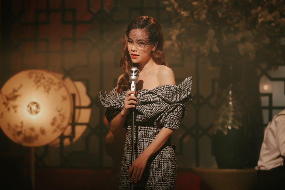 Ho Ngoc Ha hoa than thanh ca si phong tra xua trong MV moi hinh anh 4