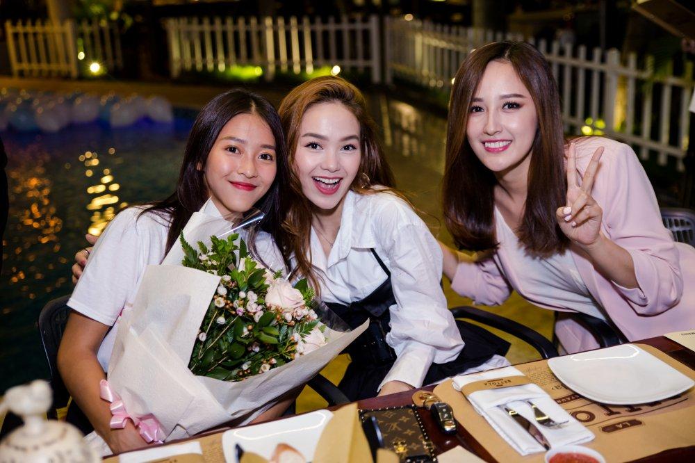 Mai Phuong Thuy, Minh Hang bi mat to chuc sinh nhat cho Kha Ngan hinh anh 4