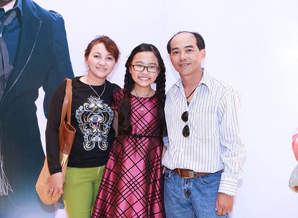 Phan ung cua Phuong My Chi giua tam bao scandal bi to vo on voi co Ut hinh anh 5