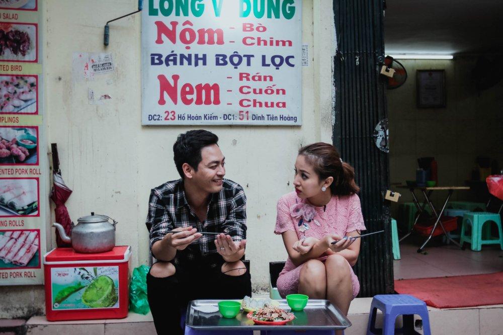 MC Phan Anh – Thanh Van 'hoi xoay dap xoay' ve bun dau Ha Noi hinh anh 7