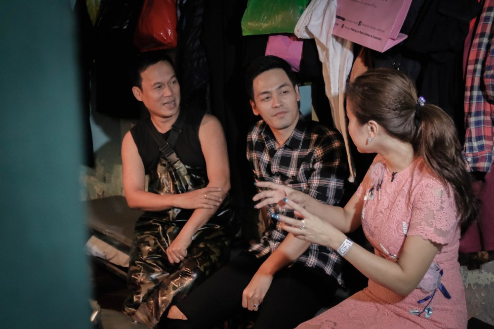 MC Phan Anh – Thanh Van 'hoi xoay dap xoay' ve bun dau Ha Noi hinh anh 10