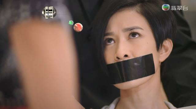 Phim TVB gay soc voi canh Xa Thi Man bi 'cuong buc' hinh anh 3