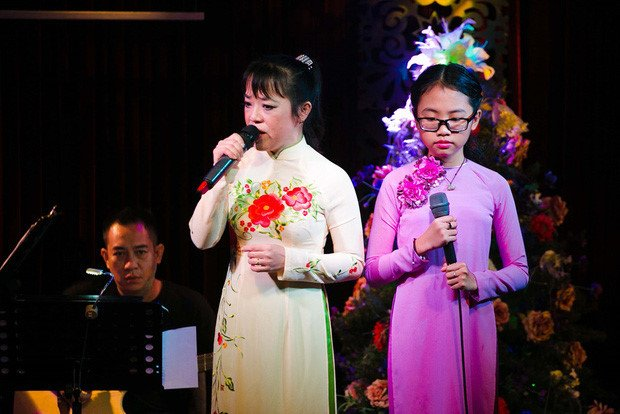 Phan ung cua Phuong My Chi giua tam bao scandal bi to vo on voi co Ut hinh anh 1