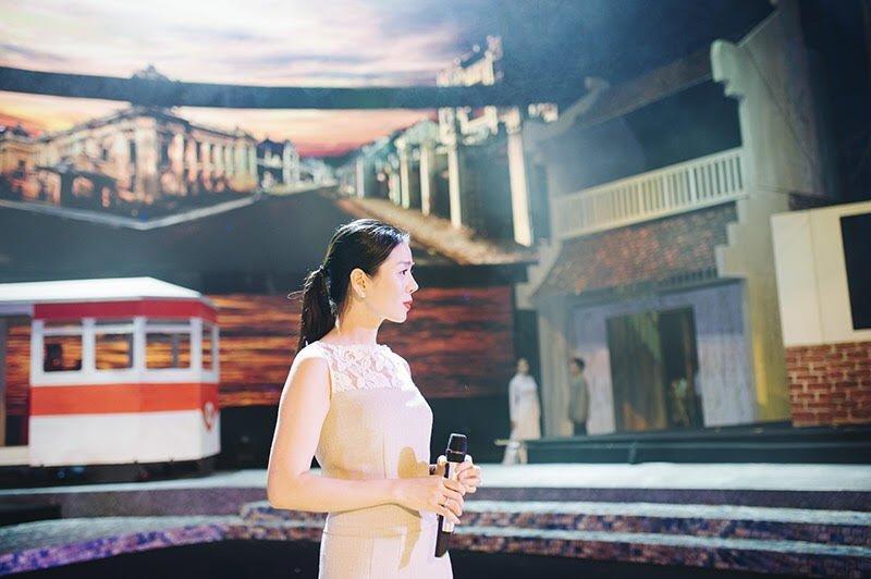 Le Quyen ngoi bet xuong san khau tap luyen den nua dem cho liveshow hinh anh 8