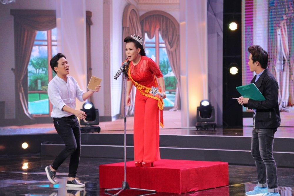 Viet Huong da xeo Hoa hau Phuong Nga, Top Model tren song truyen hinh hinh anh 2