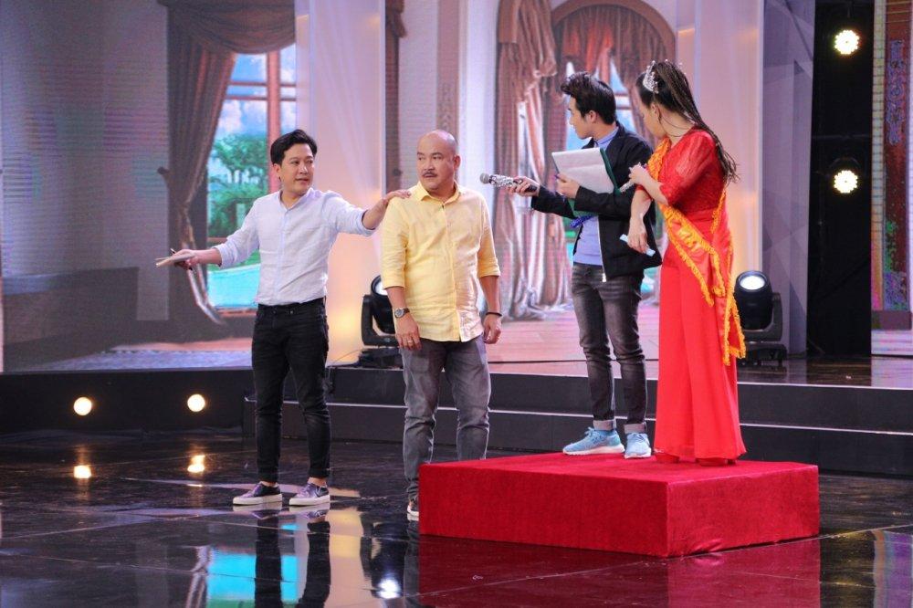Viet Huong da xeo Hoa hau Phuong Nga, Top Model tren song truyen hinh hinh anh 3