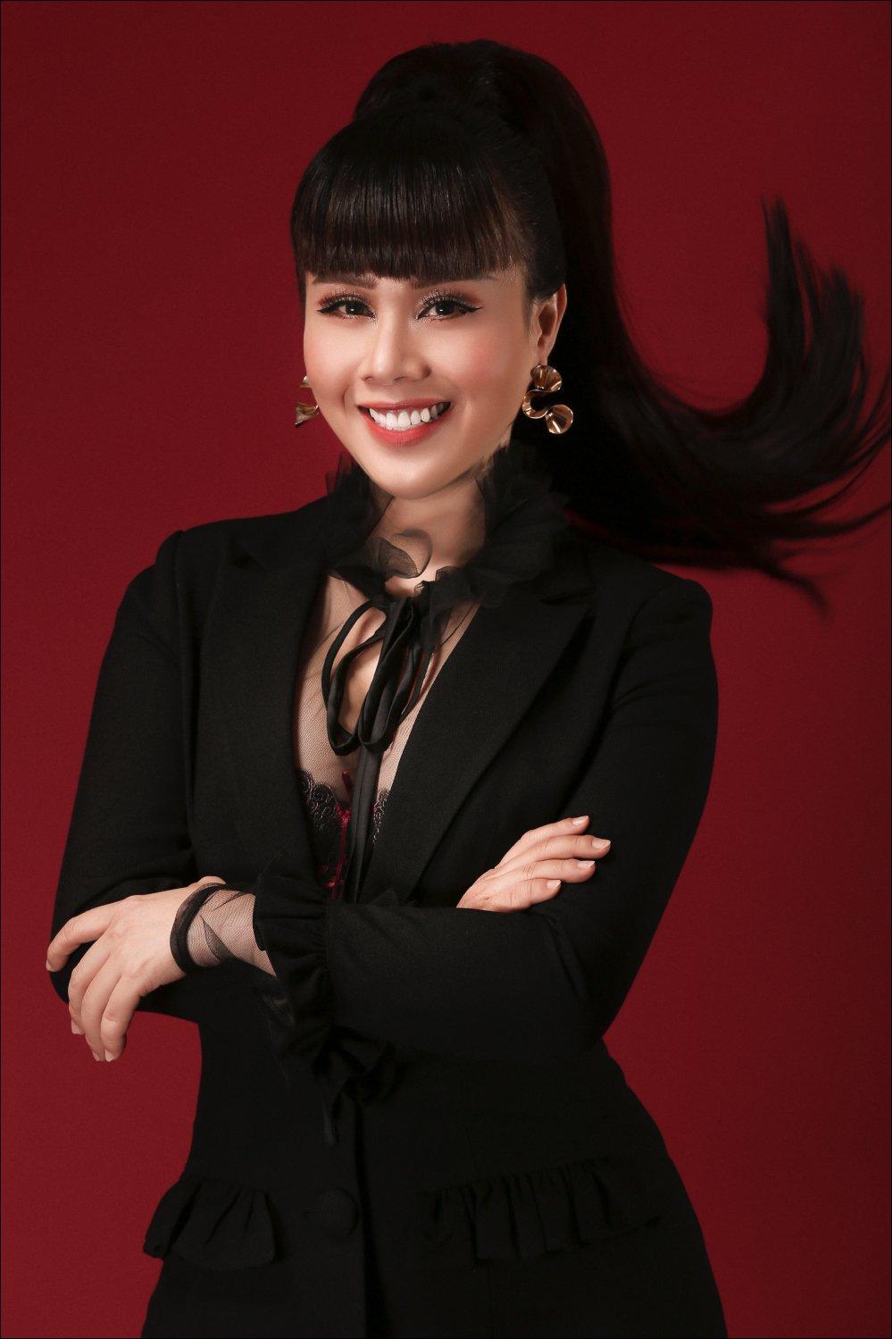 Hoa hau Hang Nguyen cung Juun Dang Dung dua vai lanh My A tro lai san dien hinh anh 2