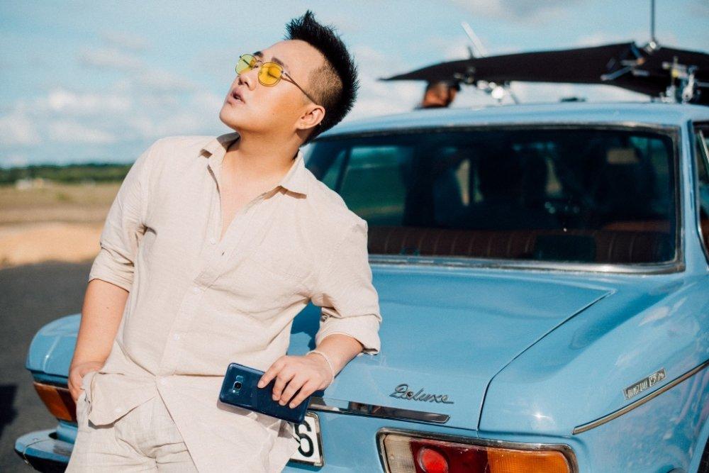 'Thanh mua' Trung Quan ke chuyen tinh buon trong MV moi hinh anh 4