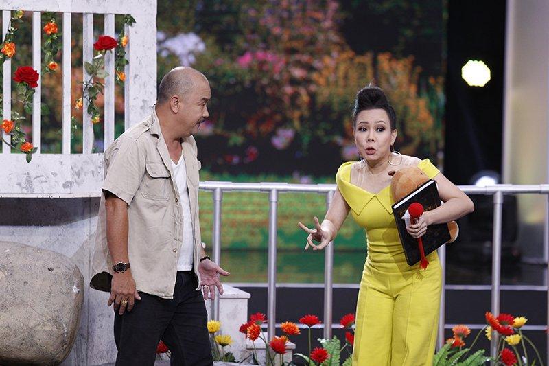 Bi xuc pham nhan pham, Viet Huong thang tay tat Hoang Son hinh anh 4