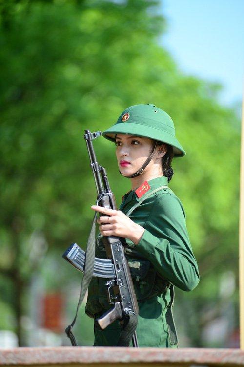 Video: Nhung khoanh khac sieu 'lay' cua Huong Giang Idol trong 'Sao nhap ngu' hinh anh 1