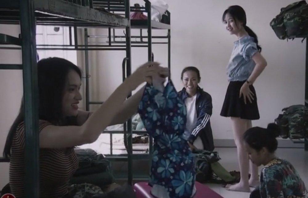 Video: Nhung khoanh khac sieu 'lay' cua Huong Giang Idol trong 'Sao nhap ngu' hinh anh 3