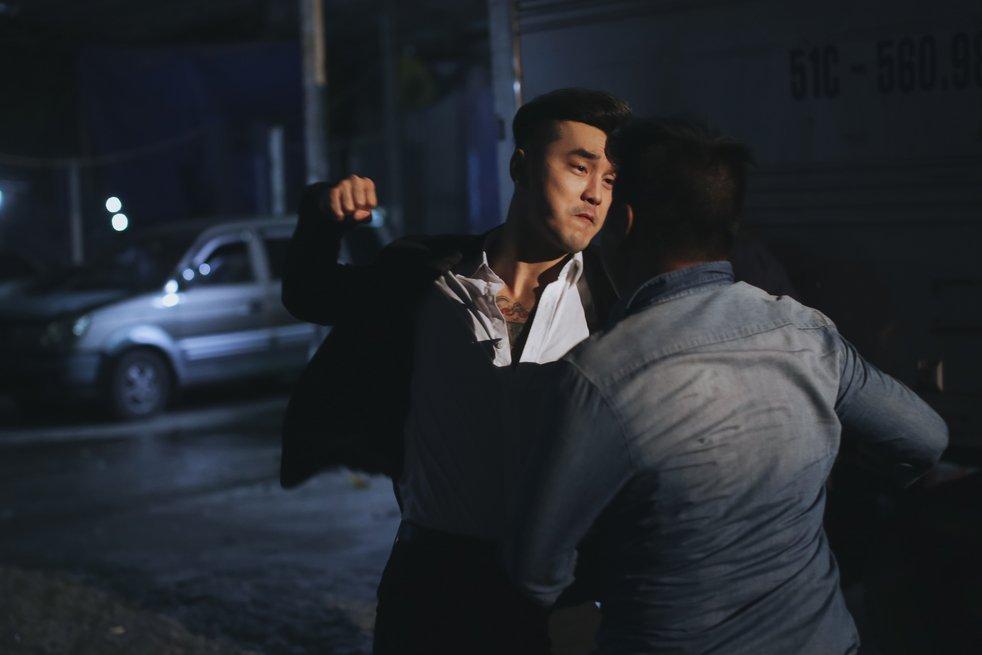 Ung Hoang Phuc bi xa hoi den danh khong thuong tiec hinh anh 5