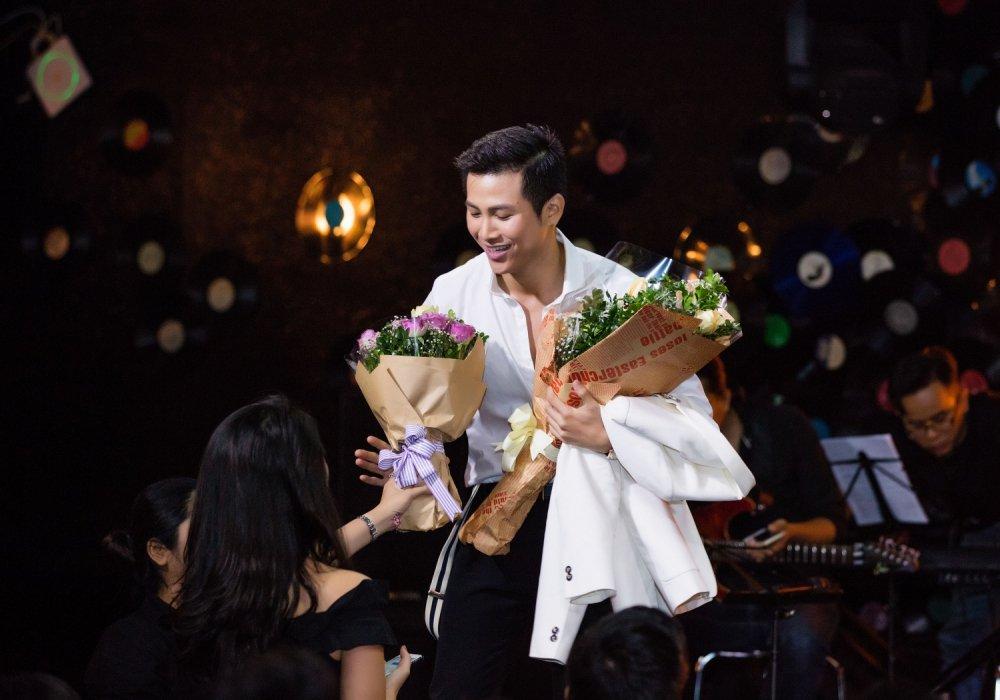 Mai Tien Dung lan dau trai long ve nhung kho khan o nuoc ngoai hinh anh 2