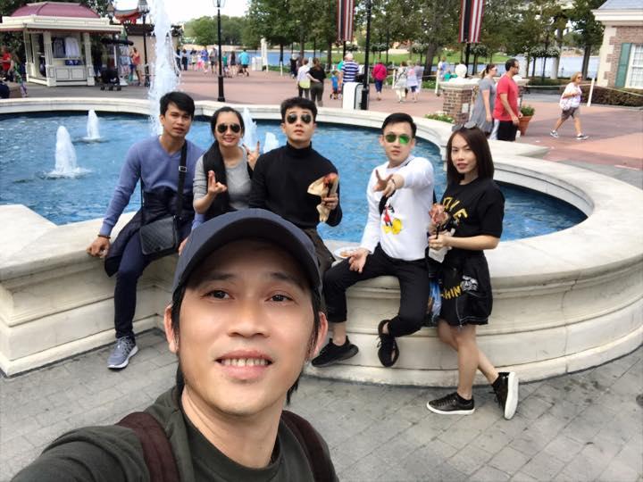 Anh em Hoai Linh - Duong Trieu Vu di du lich cung nhau sau 20 nam hinh anh 2