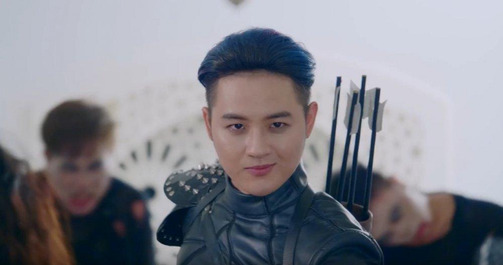 Thanh Duy 'chiu choi' quay MV tai lau dai trang tri gia 15 trieu USD hinh anh 1