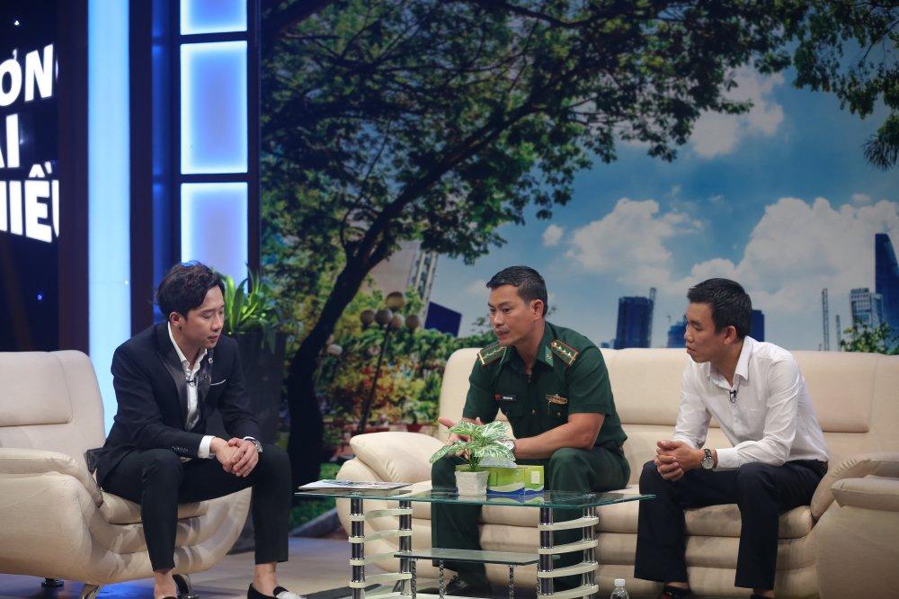 Tran Binh Phuc, nguoi thay ao xanh miet mai 8 nam day chu cho tre em dao xa hinh anh 2