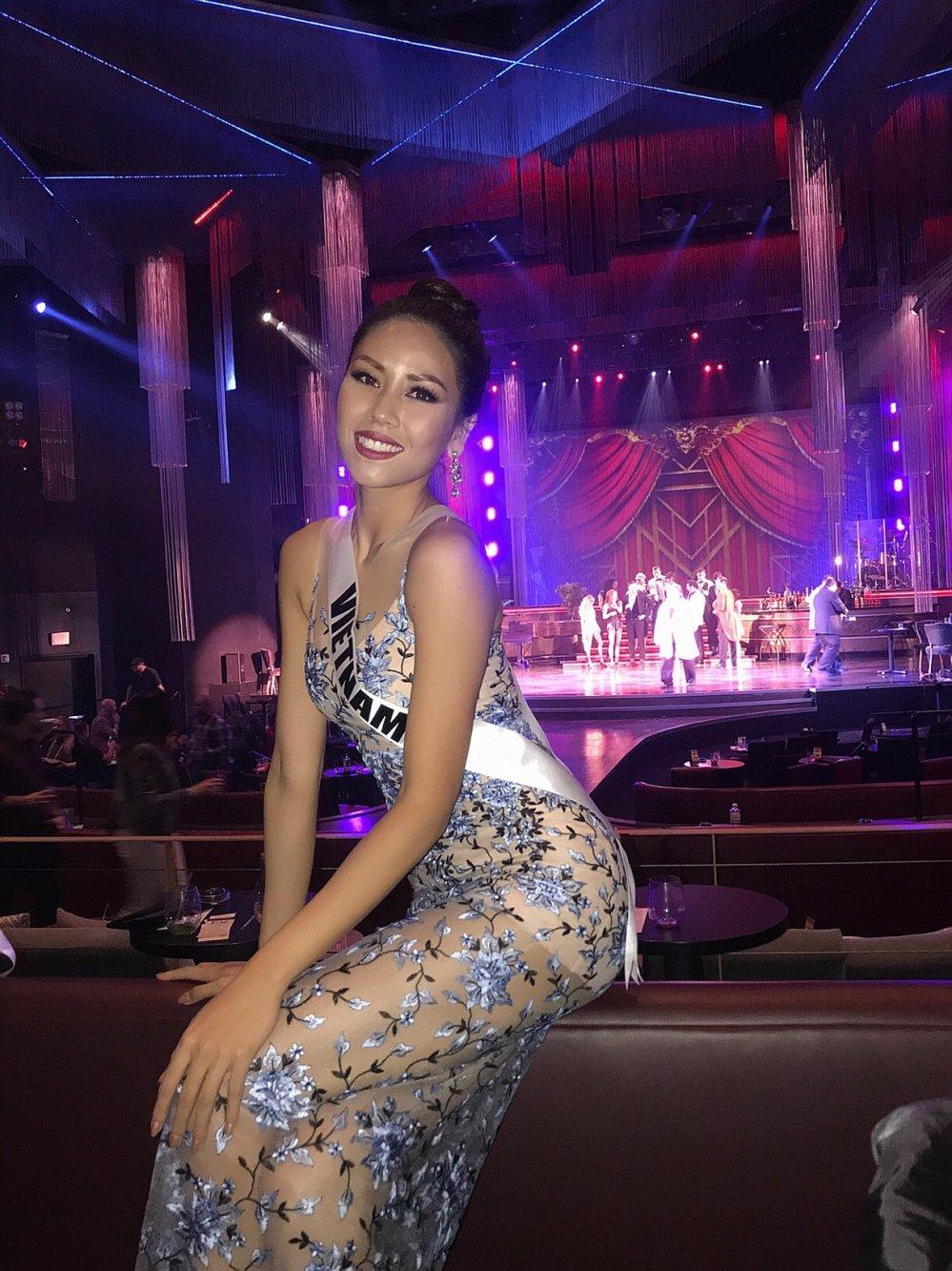 Nguyen Thi Loan trinh dien trang phuc dan toc noi bat tai Hoa hau Hoan vu 2017 hinh anh 7