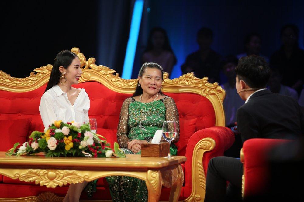 Thuy Tien ke chuyen bi xam hai, me Cong Vinh phan ung ra sao? hinh anh 1