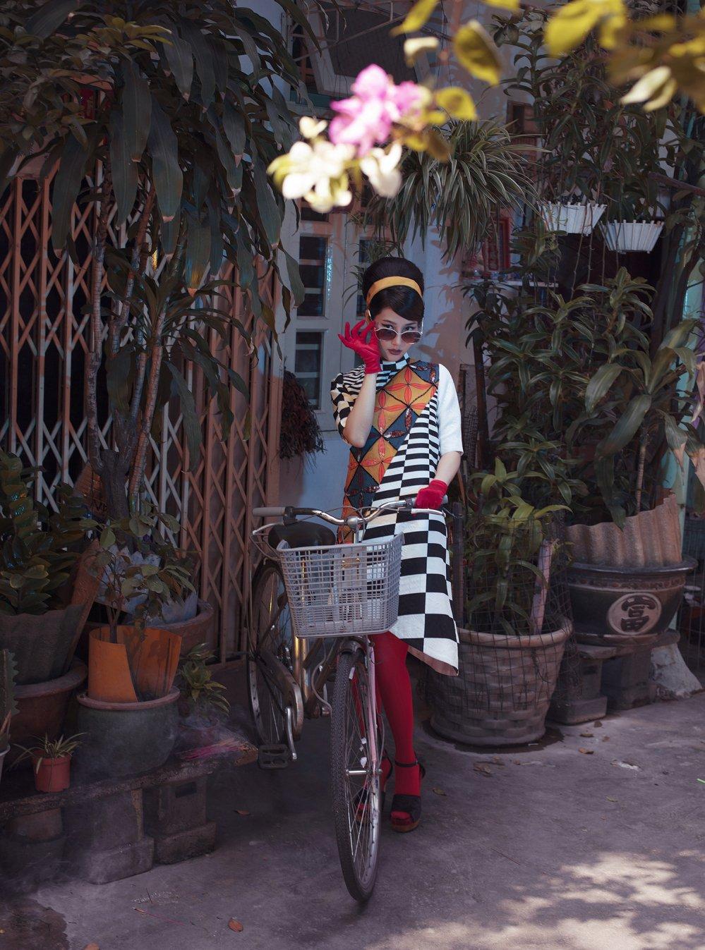 Ninh Duong Lan Ngoc, Diem My 9x dien ao dai tai hien hinh anh Sai Gon xua hinh anh 5