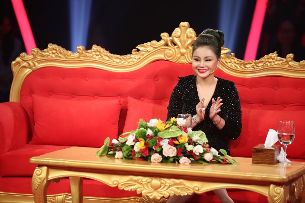 Le Giang bi chong cu Duy Phuong bao hanh, nem tu cau thang xuong dat hinh anh 1