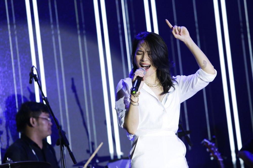 'Bien nguoi' do ve pho di bo Nguyen Hue nghe My Tam hat hinh anh 7