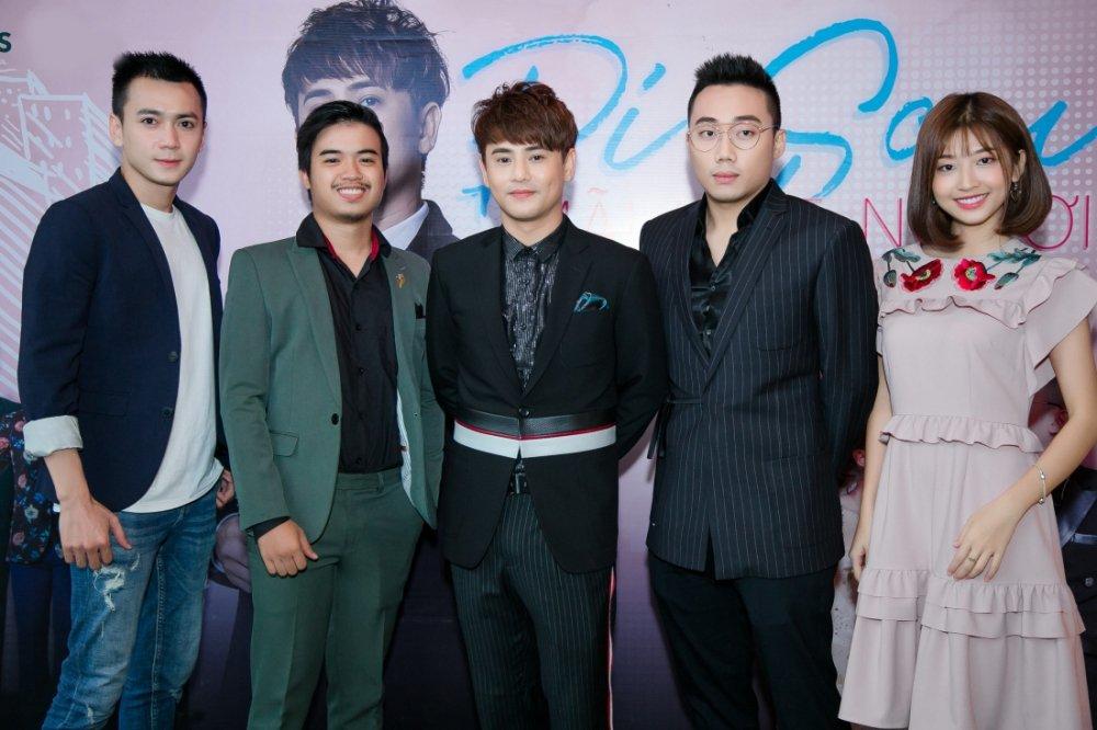 Ung Dai Ve phai quay 10 lan cho 1 cau thoai don gian trong phim ngan hinh anh 2
