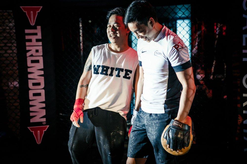 Co the dot quy bat cu luc nao, Tung Leo van mao hiem choi boxing hinh anh 2