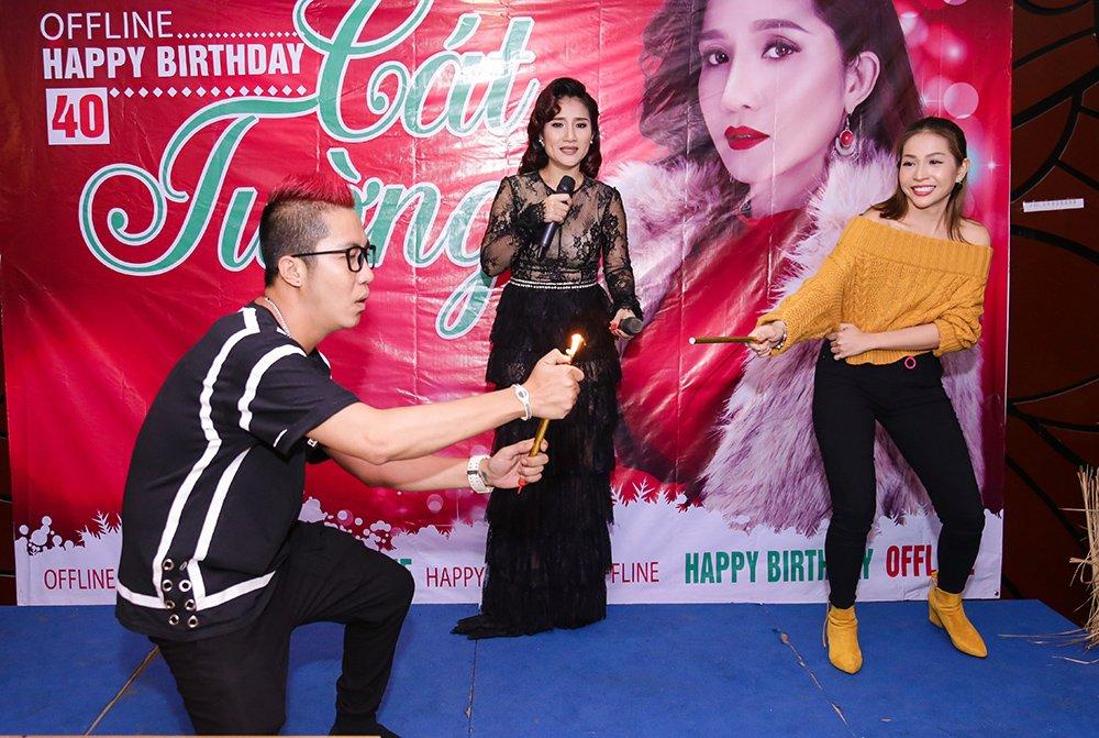 MC Cat Tuong khoe giong hat khien fan bat ngo hinh anh 4