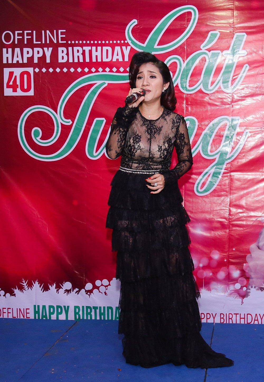 MC Cat Tuong khoe giong hat khien fan bat ngo hinh anh 1
