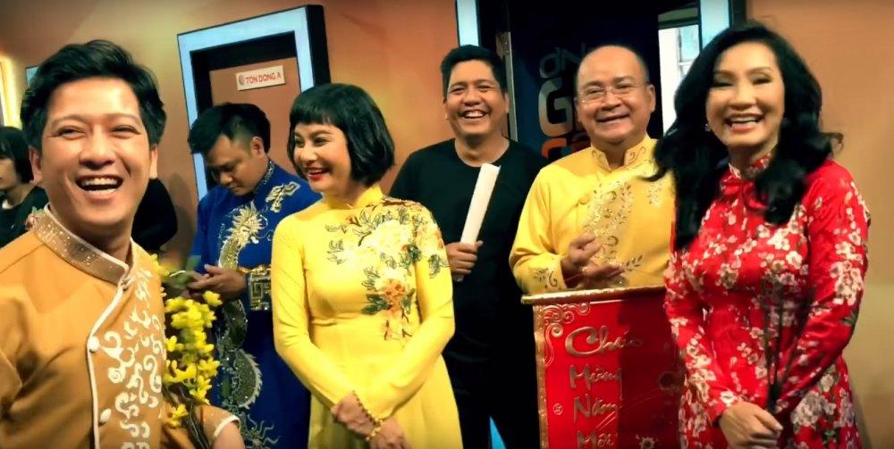 Tran Thanh tiep tuc 'choi lay', dang clip 'dim hang' NSUT Hoai Linh hinh anh 2
