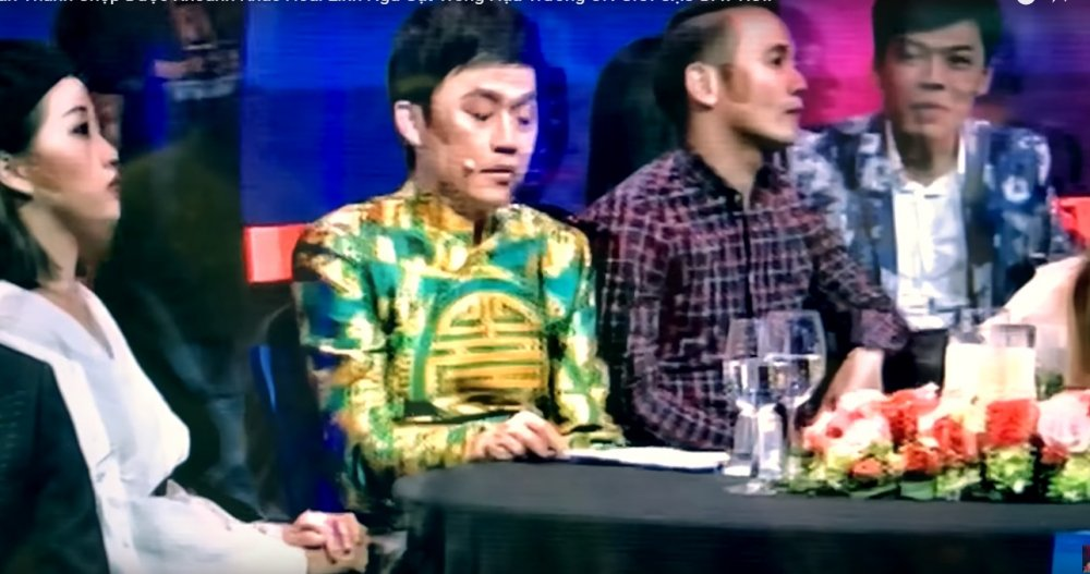 Tran Thanh tiep tuc 'choi lay', dang clip 'dim hang' NSUT Hoai Linh hinh anh 1