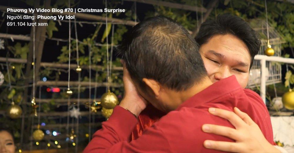 Cha Phuong Vy Idol bat khoc vi qua Giang Sinh bat ngo cua con gai hinh anh 1