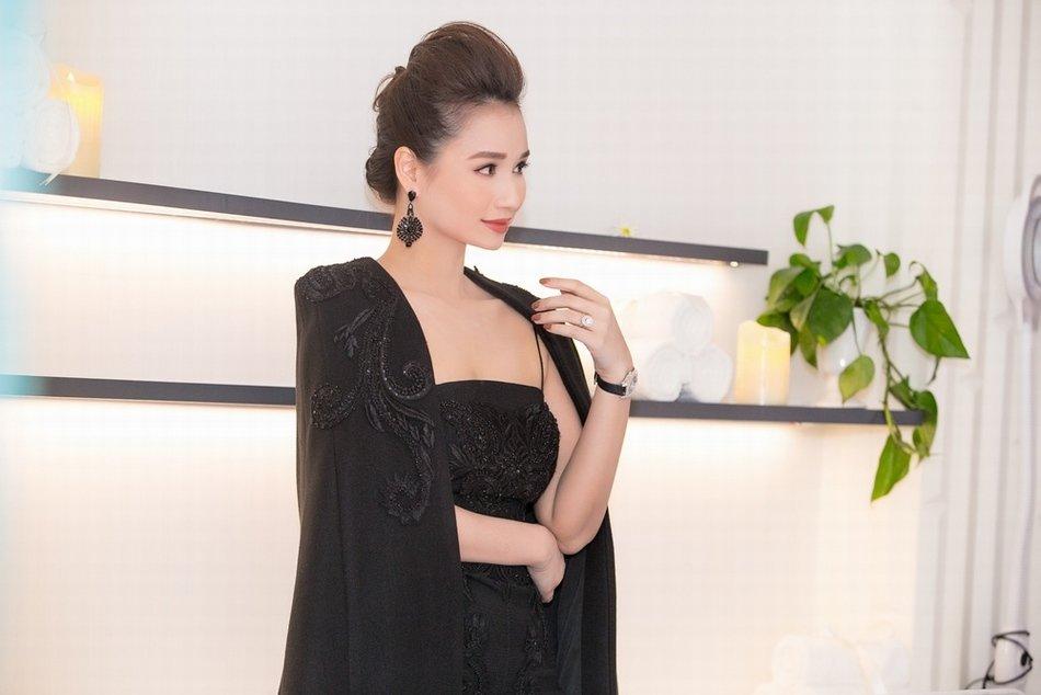 BTV Hoai Anh do sac Linh Nga, La Thanh Huyen hinh anh 5
