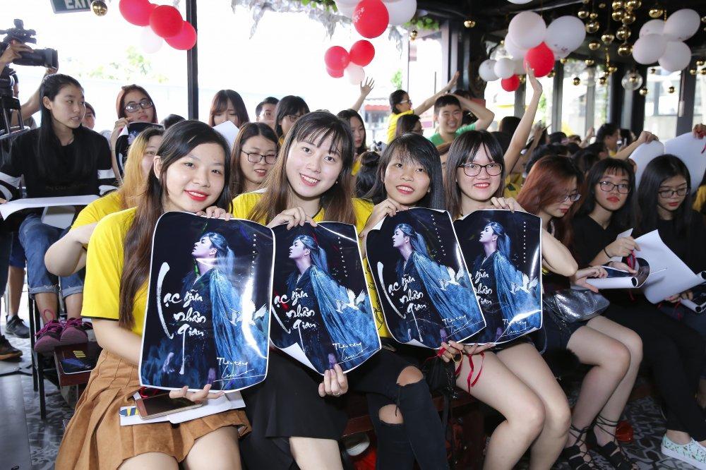 Ngo Kien Huy mac trang phuc co trang, lan dau trinh dien ban hit 'trieu views' hinh anh 7