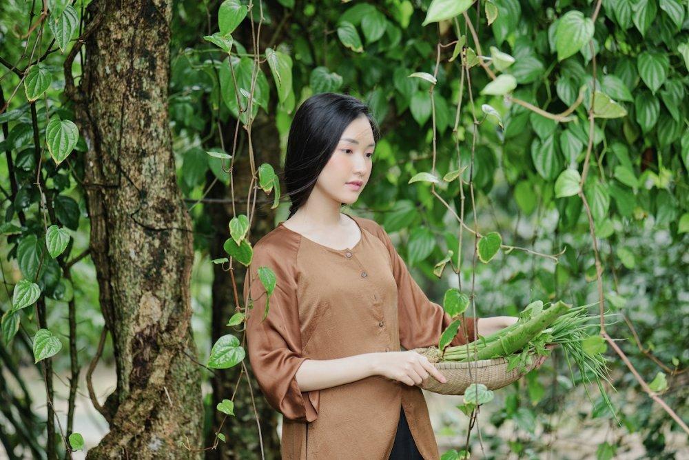 'Nang tho xu Hue' Ngoc Tran tai xuat an tuong sau Hoa hau Viet Nam 2016 hinh anh 6
