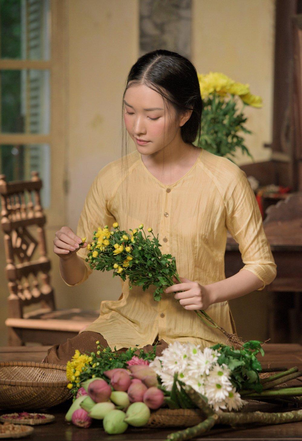 'Nang tho xu Hue' Ngoc Tran tai xuat an tuong sau Hoa hau Viet Nam 2016 hinh anh 8