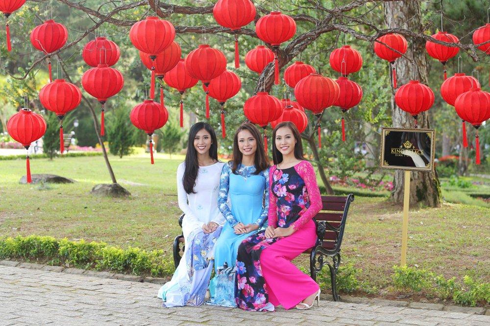 Hoang Thuy cung dan thi sinh 'Hoa hau Hoan vu' do sac trong ta ao dai hinh anh 5